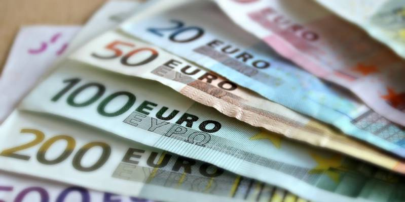 Pound euro exchange rate at seven year high