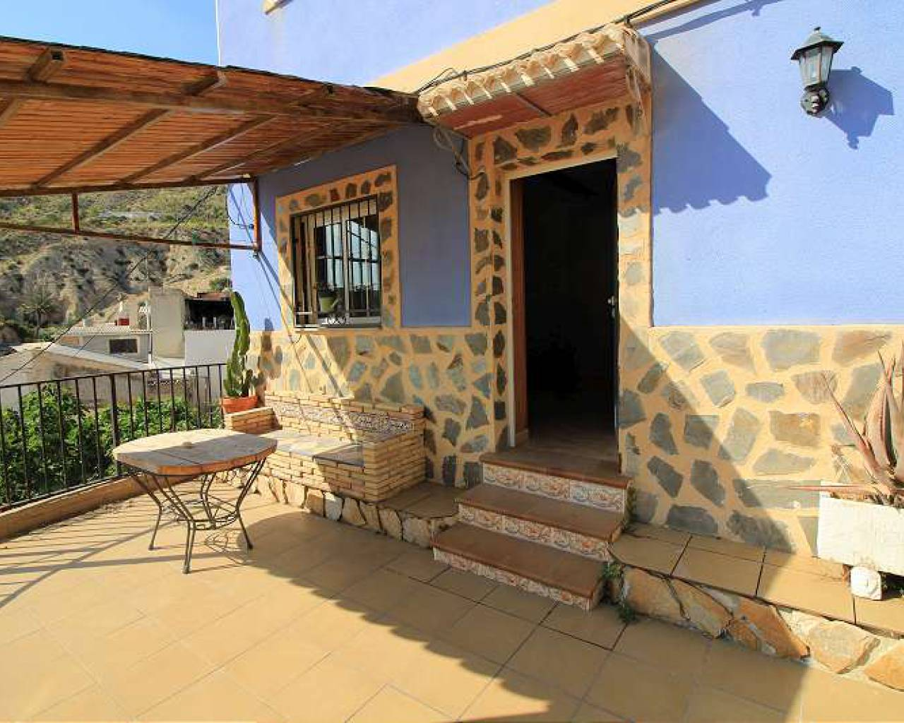 For Sale - Town House - Blanca - Set  in quiet outskirts of historic Blanca town.