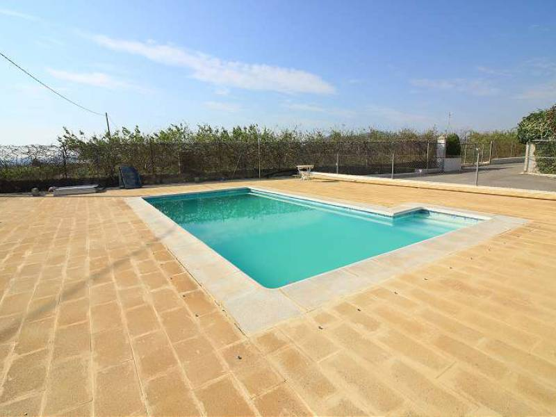 Country House - For Sale - Blanca - Quiet outskirts of Blanca town setting.